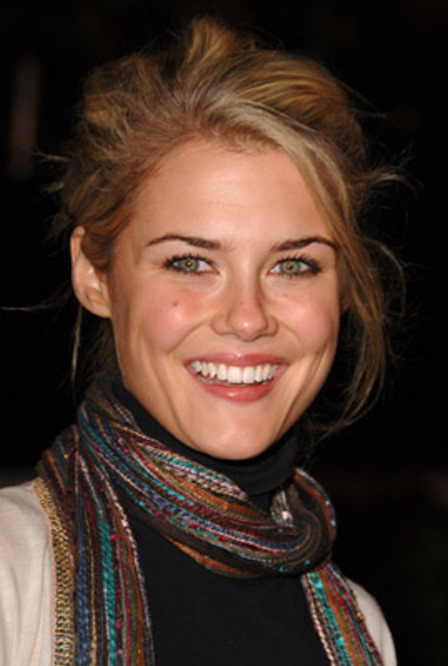 Rachael Taylor at Flags of Our Fathers (2006)