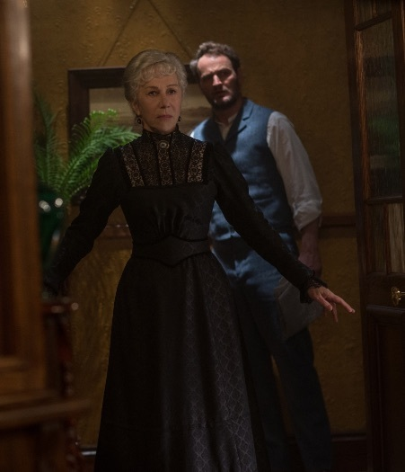 Helen Mirren and Jason Clarke in Winchester (2018)