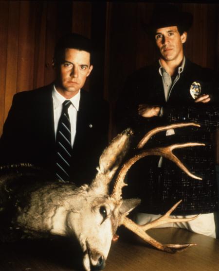 Kyle MacLachlan and Michael Ontkean in Twin Peaks (1990)