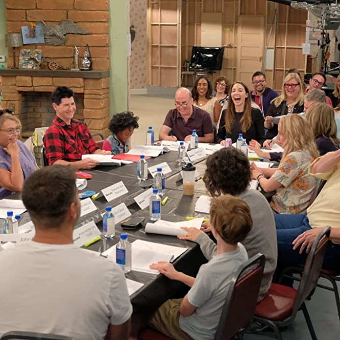 John Goodman, Roseanne Barr, Sara Gilbert, Michael Fishman, Johnny Galecki, Bruce Helford, Laurie Metcalf, Whitney Cummings, and Jayden Rey at an event for Roseanne (2018)