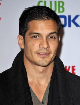 The 42-year old son of father (?) and mother(?), 170 cm tall Nicholas Gonzalez in 2018 photo