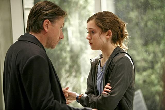 Tim Roth and Hayley McFarland in Lie to Me (2009)