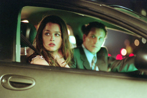 Robin Tunney and Cole Hauser in Paparazzi (2004)