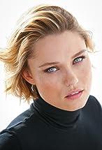 Clare Grant's primary photo