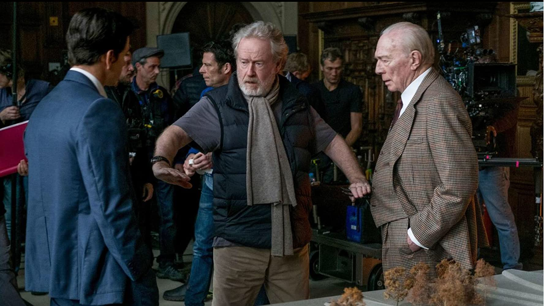 Mark Wahlberg, Ridley Scott, and Christopher Plummer in All the Money in the World (2017)
