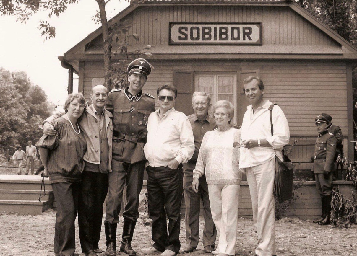 List of Synonyms and Antonyms of the Word: sobibor