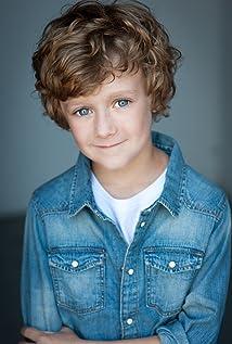 Aktori Luke Roessler