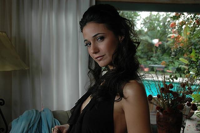 Emmanuelle Chriqui in Elektra Luxx (2010)