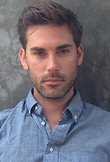 Aktori Drew Fuller