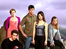 TVWeb: Roswell is officially getting a reboot
