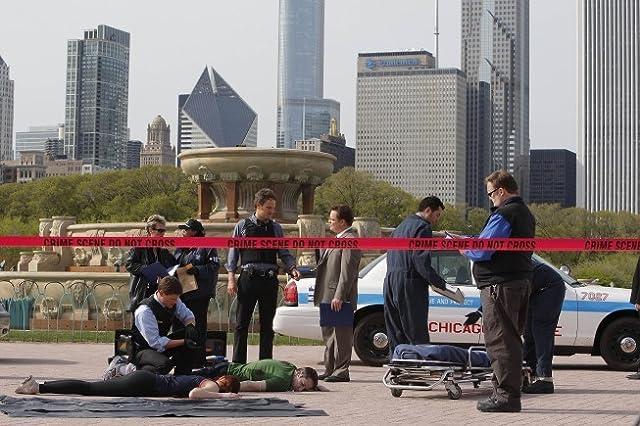 Jason Clarke and Matt Lauria in The Chicago Code (2011)