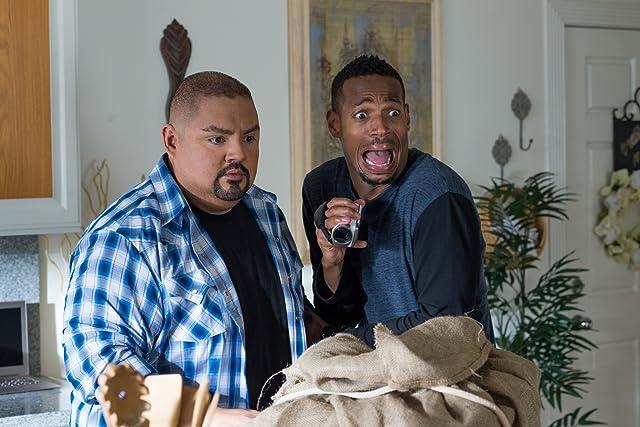 Marlon Wayans and Gabriel Iglesias in A Haunted House 2 (2014)