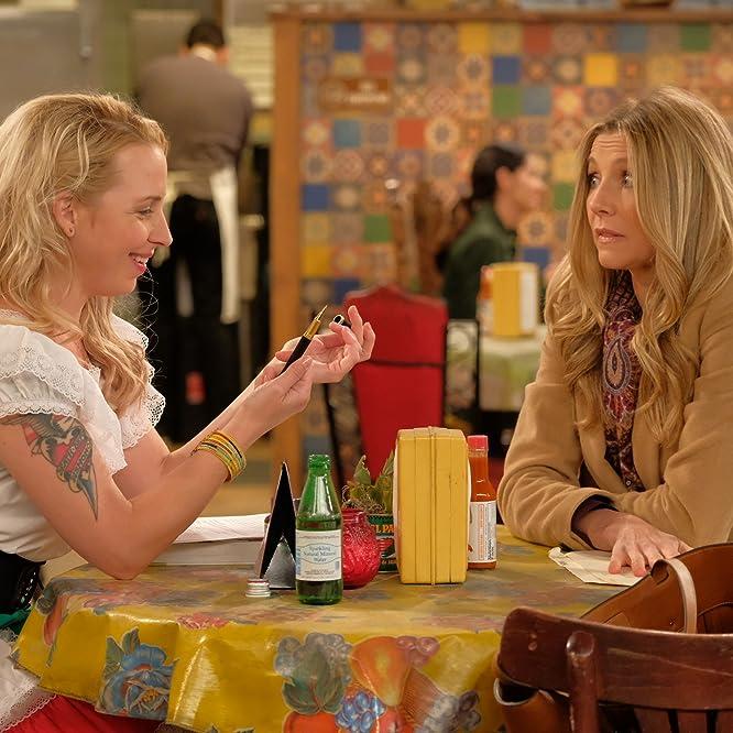 Sarah Chalke and Alicia Goranson in Roseanne (2018)