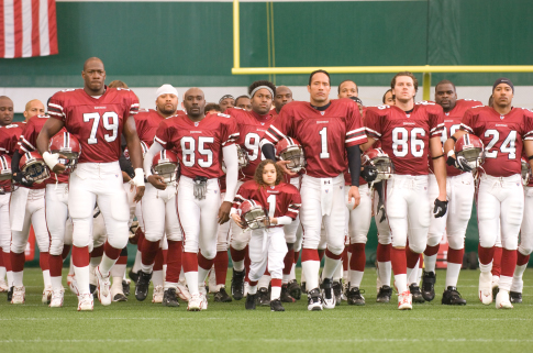 Morris Chestnut, Dwayne Johnson, Brian White, Jamal Duff, Hayes MacArthur, and Madison Pettis in The Game Plan (2007)