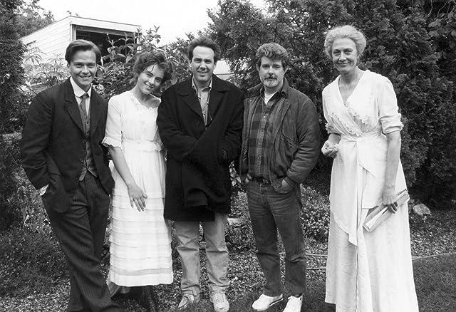 Elizabeth Hurley, George Lucas, Vanessa Redgrave, Sean Patrick Flanery, and Rick McCallum in Young Indiana Jones (1992)