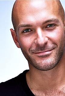 Aktori Marco Soriano