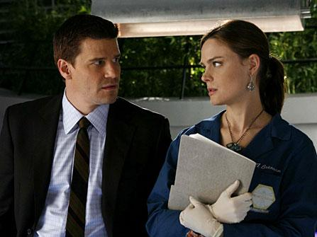 Bones: The Man in the Wall | Season 1 | Episode 6