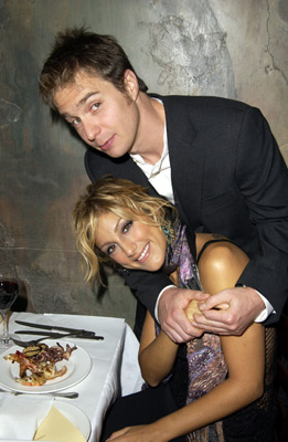 Sam Rockwell and Jennifer Esposito at an event for Welcome to Collinwood (2002)
