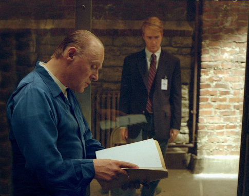 Anthony Hopkins and Edward Norton in Red Dragon (2002)