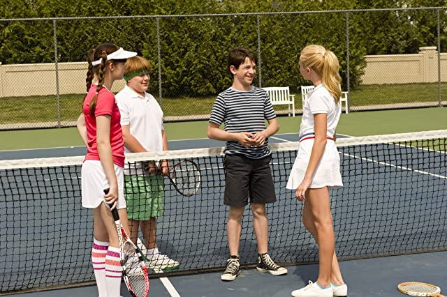 Zachary Gordon, Peyton List, Robert Capron, and Laine MacNeil in Diary of a Wimpy Kid: Dog Days (2012)