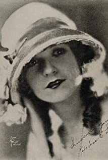 Helen Lynch Picture