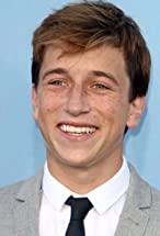 Skyler Gisondo's primary photo