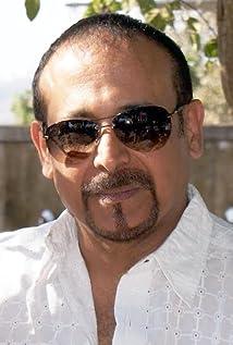 Aktori Adi Irani
