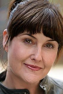 Elizabeth Carling Picture