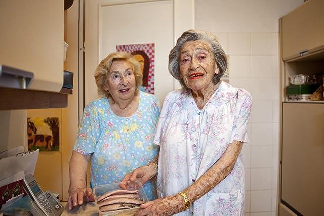 Oma & Bella (2012)