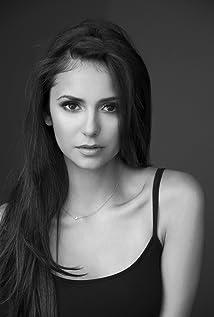 Nina Dobrev Picture
