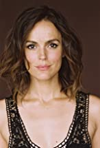 Erin Cahill's primary photo