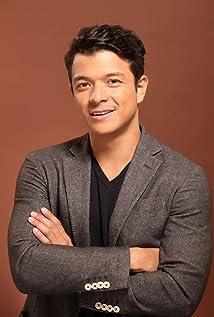 Jericho Rosales Picture