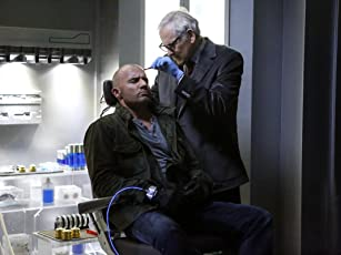 Victor Garber and Dominic Purcell in Legends of Tomorrow (2016)