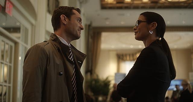 Jude Law and Catherine Zeta-Jones in Side Effects (2013)