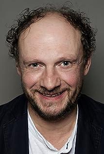 Aktori Nicholas Asbury
