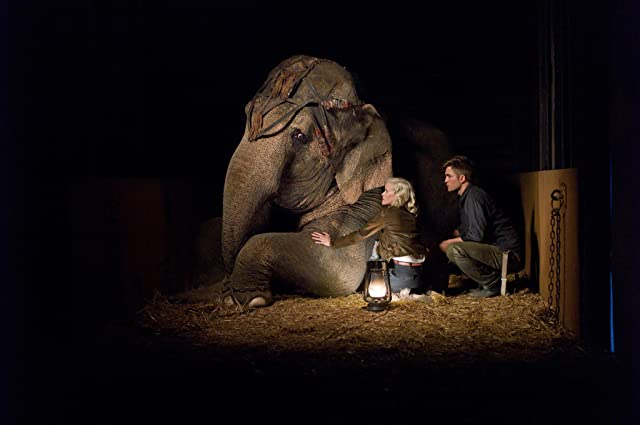 Reese Witherspoon and Robert Pattinson in Water for Elephants (2011)