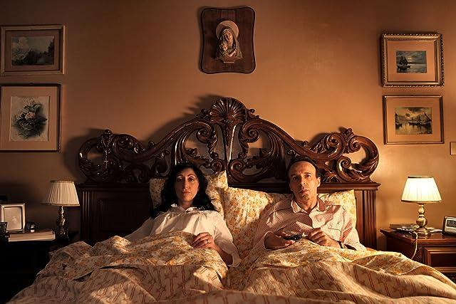 Roberto Benigni and Monica Nappo in To Rome with Love (2012)