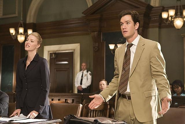 Mark-Paul Gosselaar and Melissa Sagemiller in Raising the Bar (2008)