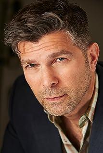Aktori Alex Emanuel