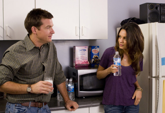 Jason Bateman and Mila Kunis in Extract (2009)