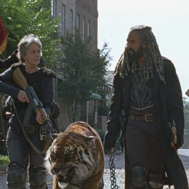 Melissa McBride and Khary Payton in The Walking Dead (2010)