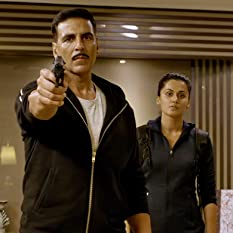 Akshay Kumar and Tapsee Pannu in Naam Shabana (2017)