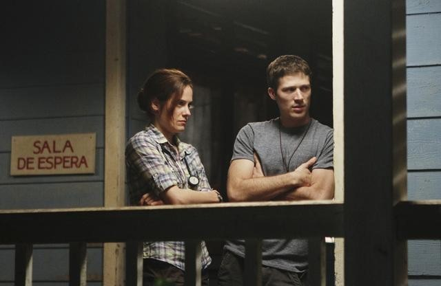 Caroline Dhavernas and Zach Gilford in Off the Map (2011)