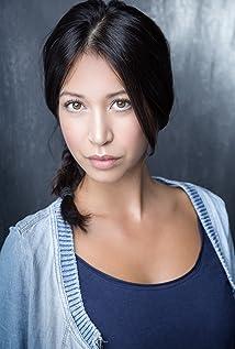 Aktori Hanna Stanbridge