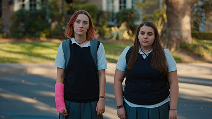Saoirse Ronan and Beanie Feldstein in Lady Bird (2017)