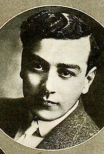 Aktori Al Ernest Garcia