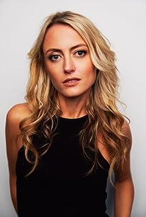 Aktori Amy Rutberg