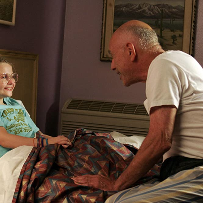 Alan Arkin and Abigail Breslin in Little Miss Sunshine (2006)