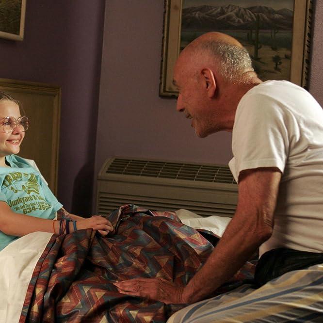Alan Arkin and Abigail Breslin in Little Miss Sunshine (2006)