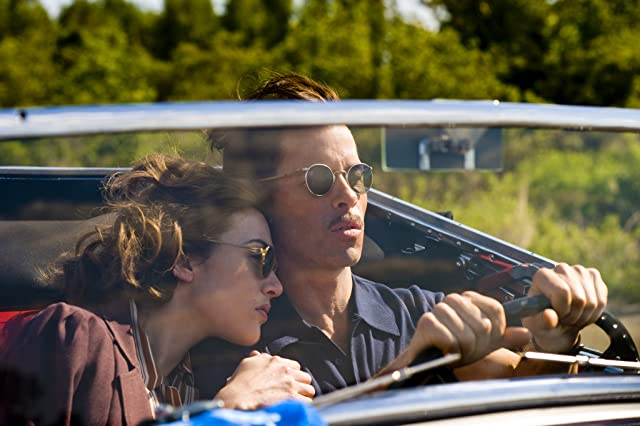 Kate Winslet and Guy Pearce in Mildred Pierce (2011)